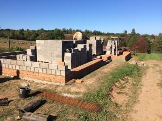 Кладка керомзито-бетонных блоков в Клину